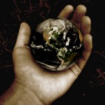 P 14 Pics 33 earth in a hand